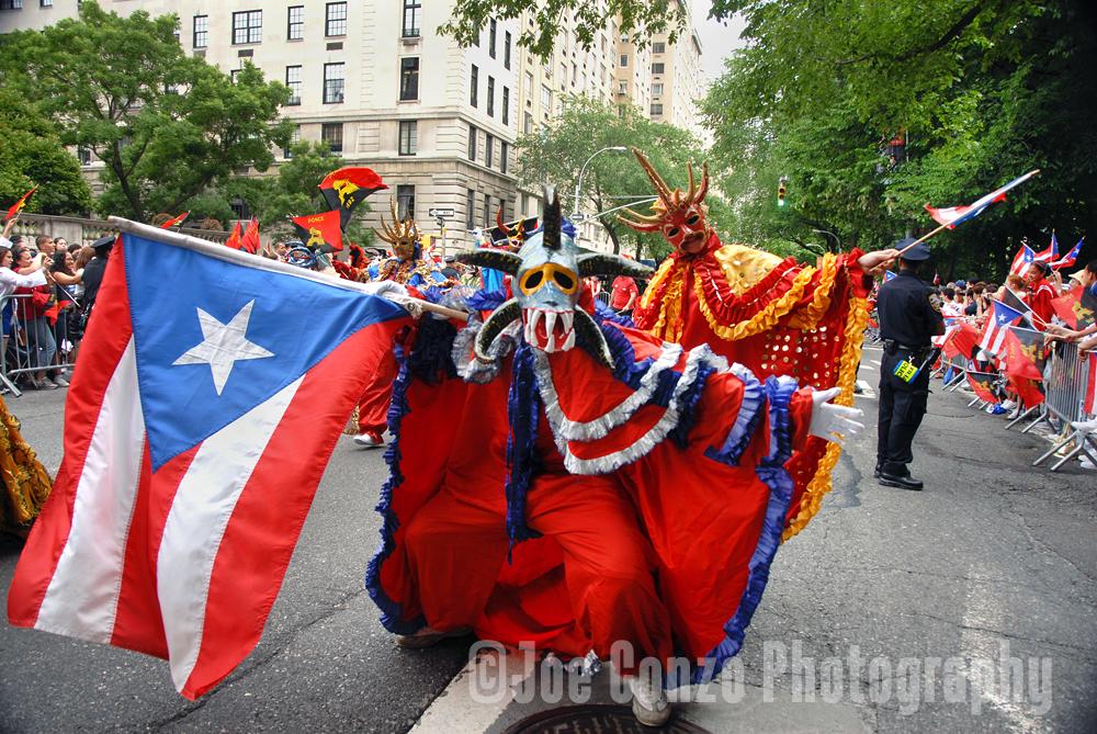 vejigantes_parade